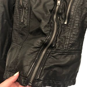 Free People Jackets & Coats - Free People Black Faux Leather Jacket - Size 4